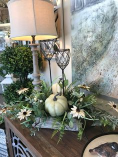 Harvest Decorations, Thanksgiving Decorations, Fall Entryway, Autumn Table, Fall Arrangements, Diy Candle Holders, Pumpkin Centerpieces, Diy Arts And Crafts, Fall Home Decor