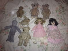 """angel-bruises: """"Some of my dolls and teddies 💐 🎀 🌙 💐 🎀 don't remove caption """" Creepy Baby Dolls, Hello Kitty Dress, Maid Outfit, Daddys Little Girls, Old Dolls, Doll Parts, Little Twin Stars, Creepy Cute, Drawings Of Friends"""