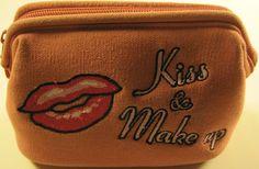 Cosmetic bag, kiss & make-up embroidered logo. #KissMakeup