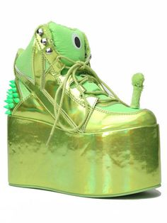 The Y.R.U's Qozmo Hi Alien Platform Exhibits an Out of This World Design #platforms trendhunter.com