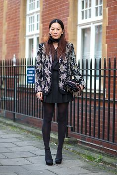 Printed jacket for all black||~Fashion From the Waist Down: Street Style Edition  - HarpersBAZAAR.com