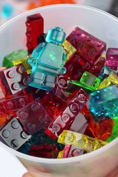 Gummy Candy These Lego gummy candies are going to be a super fun treat to make and eat!These Lego gummy candies are going to be a super fun treat to make and eat! Sucre Candi, Yummy Treats, Sweet Treats, Do It Yourself Food, Cool Lego, Awesome Lego, Homemade Candies, Homemade Gummy Bears, Candy Making