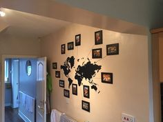 Afbeeldingsresultaat voor wall world map photos holiday World Map Photo, Reading Display, Travel Photo Album, Improve Writing, Digital Story, World Map Wall, Baby Steps, Having A Bad Day, Augmented Reality
