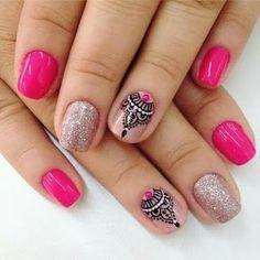 17 Hermosos diseños de moda para uñas cortas  Belleza y Peinados Love Nails, Pretty Nails, Nail Art Arabesque, Henna Nails, Mandala Nails, Tribal Nails, Gel Nail Art, Nail Nail, Acrylic Nails