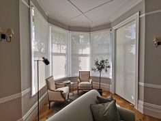 Made to measure sunscreen roller blinds in ivory colour for sitting room in Bishops Stortford Bay Window Blinds, Blinds For Windows, Bay Windows, Blinds And Curtains Living Room, Blinds Inspiration, Made To Measure Blinds, Modern Blinds, Mini Blinds, Roller Blinds