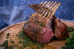 Rack of Lamb with Board Chimichurri Braai Recipes, Lamb Recipes, Meat Recipes, Lamb Rack Recipe, Charcoal Recipe, Weber Recipes, Weber Bbq, Rack Of Lamb, Most Delicious Recipe