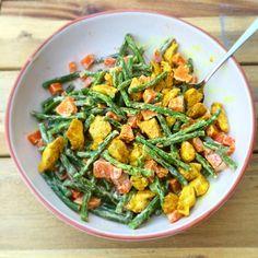 Lauwwarme salade met sperziebonen, zoete aardappel en gemarineerde kip. Recept van Rens kroes!