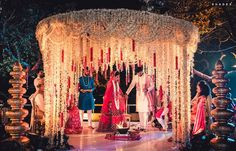 This all mogra mandap with countless mogra garlands decking up the entire setting is bespoke class! Indian Wedding Theme, Indian Wedding Receptions, Outdoor Indian Wedding, Desi Wedding Decor, Wedding Hall Decorations, India Wedding, Wedding Entrance, Wedding Stage Design, Wedding Mandap