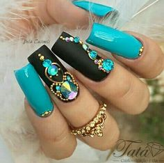 New nails acrilico rojas ideas Classy Nail Designs, Diy Nail Designs, Rhinestone Nails, Bling Nails, Gem Nails, Hair And Nails, Fabulous Nails, Gorgeous Nails, Stylish Nails