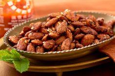 Spicy Almonds, Raw Almonds, Easy Snacks, Keto Snacks, Healthy Snacks, Summer Snacks, Healthy Baking, Kitchens