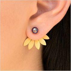 Emmanuela Ear Jackets, 24K Gold Plated Sterling Silver Stud Earrings with White or Black Pearl, Front Back Earrings, Double Sided Studs (Black) Emmanuela Handmade Jewellery http://www.amazon.co.uk/dp/B00YAHBYC2/ref=cm_sw_r_pi_dp_C4Jbxb10YY5QP