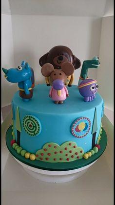 15 Fun, Colorful, and Popular Birthday Cake Ideas Second Birthday Cakes, Funny Birthday Cakes, Pink Birthday Cakes, Birthday Cake Girls, Birthday Ideas, Happy Birthday, Popular Birthdays, Chocolate Roll, Candy Sprinkles