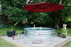 31 Clever Stock Tank Pool Designs and Ideas - Cinder Blocks Hot Tub Backyard, Backyard Shade, Backyard Garden Design, Backyard Patio, Diy Patio, Garden Shade, Patio Shade, Backyard Movie, Stock Pools