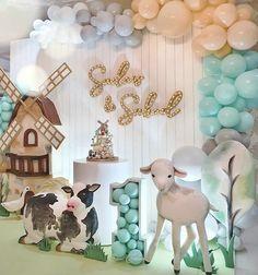 Boys 1st Birthday Cake, Birthday Parties, Backdrop Decorations, Birthday Decorations, Balloons Galore, Baby Cupcake, Birthday Backdrop, Farm Party, Farm Theme