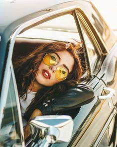 Vintage portrait: retro car and yellow sunglasses. - Fotos mit Retro Vibes - CAR (X) Retro Photography, Photography Poses Women, Portrait Photography, Photography Business, Boudoir Photography, Photography Tips, Story Instagram, Foto Instagram, Shooting Photo Vintage