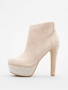 BANNGG by Steve Madden at http://www.LorisShoes.com