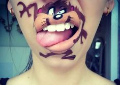 Makeup Artist Paints Cute and Funny Cartoon Characters on Her Lips - http://dashburst.com/pic/make-up-artist-lip-art/