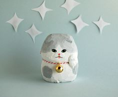 木彫り人形 まねきねこ スコティッシュ 白×グレー [MWF-171]                                                                                                                                                                                 もっと見る