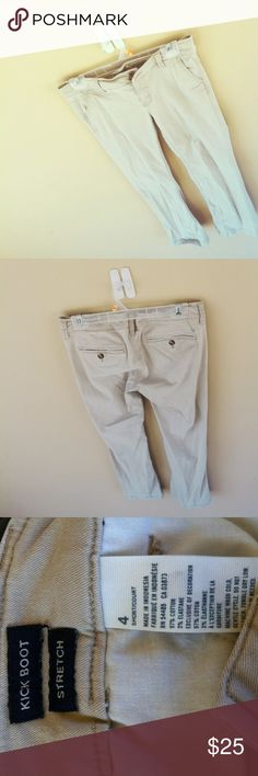 In style Women's American eagle pants In good condition will make good uniform/work/casual pants.comfortable fit.kickboot/stretch style.size 4 .OFFERS ACCEPTED American Eagle Outfitters Pants Straight Leg