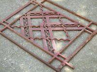 Ancien petit garde corps art déco, en fonte : 72 / 86 cm