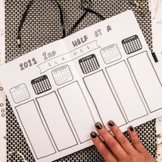 This minimalist bujo is perfect for your bullet journal set up for 2021. Get these unique spreads that are simple and perfect for beginners. Plus get all the stickers and resources that you'll need to create your best New Year journal! #2021 #bulletjournal #setup 2021 bullet journal set up Bullet Journal Set Up, Bullet Journal Layout, Journal Quotes, Journal Ideas, Bujo Monthly Spread, Spreads, Good News, Simple Designs, Create Yourself