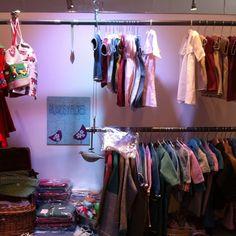 pajaros y flores Wardrobe Rack, Instagram Posts, Furniture, Home Decor, Interior Design, Home Interior Design, Arredamento, Home Decoration, Decoration Home