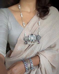 Saree Blouse Neck Designs, Saree Blouse Patterns, Trendy Sarees, Stylish Sarees, Saree Jewellery, Saree Trends, Elegant Saree, Saree Look, Saree Styles