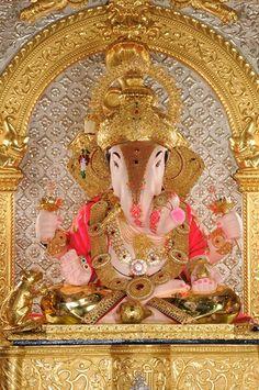 Srimanta Dagdusheth Halwai Ganpati !!! Jai Ganesh, Ganesh Statue, Shree Ganesh, Ganesha Art, Lord Ganesha, Ganesh Ji Images, Ganesha Pictures, Dagdusheth Ganpati, Ganpati Bappa