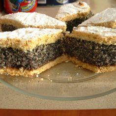 Prajitura de casa cu mac Romanian Desserts, Hungarian Recipes, Raw Vegan, Cake Cookies, Great Recipes, Main Dishes, Sweet Treats, Deserts, Dessert Recipes