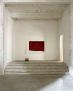 Lucia Bru At Kaanal Axel Vervoordt. Minimalist Architecture, Minimalist Interior, Minimalist Home, Modern Interior Design, Interior Architecture, Minimalist Bedroom, Interior Minimalista, Kanye West, New Home Designs
