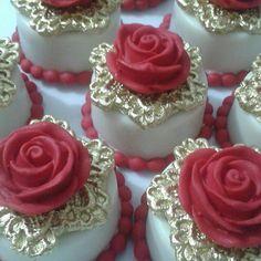 Valentine Mini Cakes