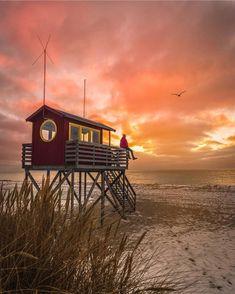 Sunset over Skanör Scandinavian Home, Lifeguard, Big Ben, Cabin, Sunset, House Styles, Building, Beach, Travel