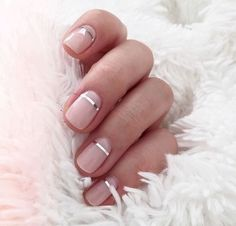 Pretty blush pink nude nails with a metallic silver accent stripe. Pretty pink and metallic nail art. Pretty blush pink nude nails with a metallic silver accent stripe. Pretty pink and metallic nail art. Nail Color Trends, Nail Colors, Color Nails, Metallic Nails, Glitter Nails, Silver Glitter, Sparkle Nails, Glitter Art, White And Silver Nails