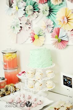 if i have a girl, this WILL be the theme for her 1st Birthday Party! :)