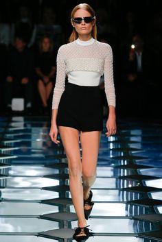 Balenciaga Spring 2015 Ready-to-Wear Fashion Show - Hanne Gaby Odiele (IMG)