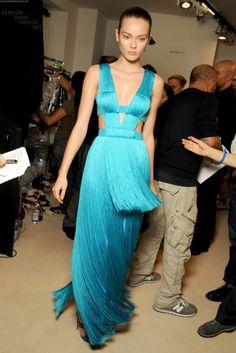 vs-angelwings: Jac Jagaciak backstage at Versace S/S 2011 Designer Evening Gowns, Designer Dresses, Evening Dresses, Fashion Models, High Fashion, Fashion Show, Woman Fashion, Christian Dior, Christian Louboutin