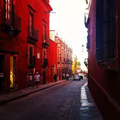 Calle Relox in San Miguel de Allende  #mexico  #sanmigueldeallende #street  #cobblestone #colonial  #streetphotography