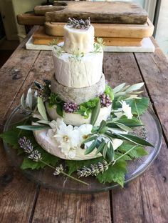 A French Cheese Cake - tower of french cheeses decorated with flowers - food for thought - Gateau Cheese Table, Cheese Platters, Deli Tray, Cheese Dreams, Cheese Tower, Cookie Recipes For Kids, Fromage Cheese, Cheesecake, Cake Tower