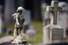 Une belle initiative qui provient de l'hôpital Maisonneuve-Rosemont et du cimetière de Laval pour offrir des funérailles gratuites à des parents orphelins endeuillés.