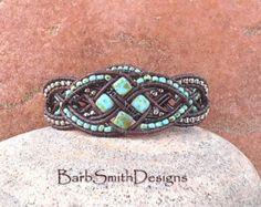 Pêche rose brun argent perles Bracelet par BarbSmithDesigns sur Etsy