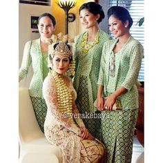vera kebaya Vera Kebaya, Kebaya Lace, Kebaya Brokat, Kebaya Dress, Batik Kebaya, Javanese Wedding, Indonesian Wedding, Indonesian Kebaya, Kebaya Wedding