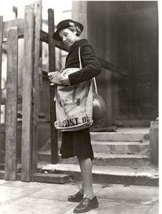 Postwoman, 1942 (by British Postal Museum & Archive)