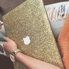 Sparkly MacBook case from @itsjustbri  @embrishop ⭐️⭐️