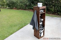 Golf Bag Locker : Build your own Golf Bag Locker with these simple step-by-step instructions. Using a single sheet of plywood you can now DIY your very own golf bag storage! Diy Furniture Plans, Diy Furniture Projects, Furniture Cleaning, Furniture Online, Diy Locker, Diy Projects For Men, Easy Diy Christmas Gifts, Ana White, Cool Stuff