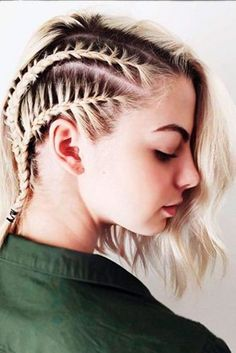 From top knot bun to Fishtail crown braid to half twisted pony style, there are plenty of Short hairstyles to cater your needs. Here we got a Trendy Short Hairstyles Collection that will help you t… French Braid Hairstyles, Long Bob Hairstyles, Hair Color Purple, Blue Hair, Brown Blonde Hair, Medium Blonde, Grunge Hair, Hair Highlights, Short Hair Cuts