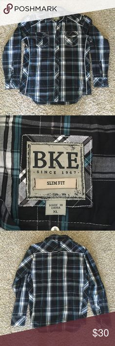 BKE slim fit button up shirt. Like new. Worn only a few times, no damage and comes from a smoke free animal free home. BKE Shirts Casual Button Down Shirts