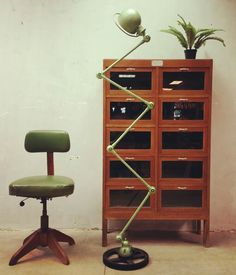 Mid century vintage design #jieldelamp #industrialstool #vintagecabinet  www.bestwelhip.nl