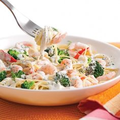 Capellinis aux crevettes nordiques goberge et brocoli Ideas (i will organize this once school is over) Fish Recipes, Seafood Recipes, Pasta Recipes, Cooking Recipes, Pollock Recipes, Paella, Healthy Cooking, Healthy Recipes, Healthy Food