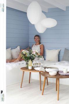 Folkefavoritten Grimstad Anneks - Byggmakker.no Accent Chairs, Furniture, Home Decor, Homemade Home Decor, Home Furnishings, Decoration Home, Arredamento, Interior Decorating