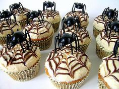 Spider web Halloween cupcake ideas - Photo by: JamieAnne with permission